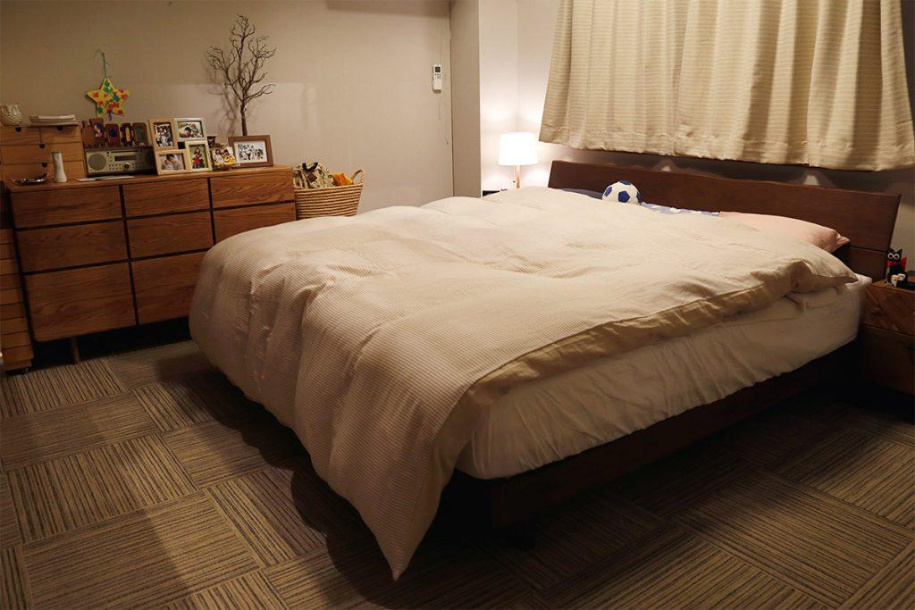 ドラマ「アライブ」セット写真_寝室ベッド